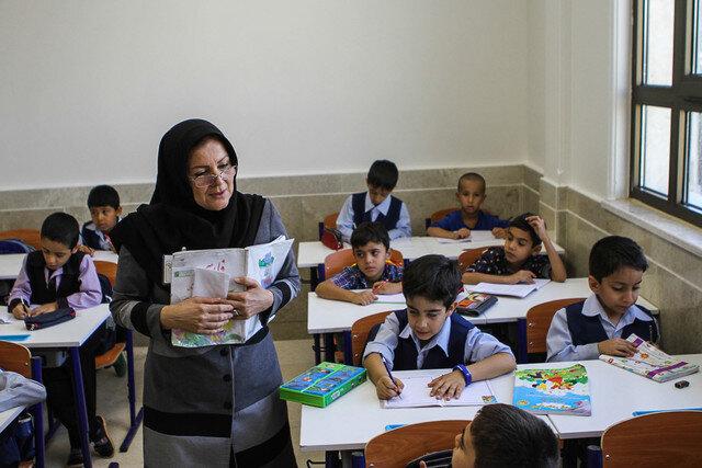 پاسخ آموزش و پرورش به ابهامات فرهنگیان درباره بخشنامه جدید افزایش حقوق