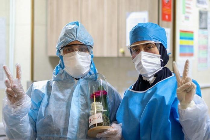 تامین روزانه ۴ هزار لباس ایزوله برای کادر درمان