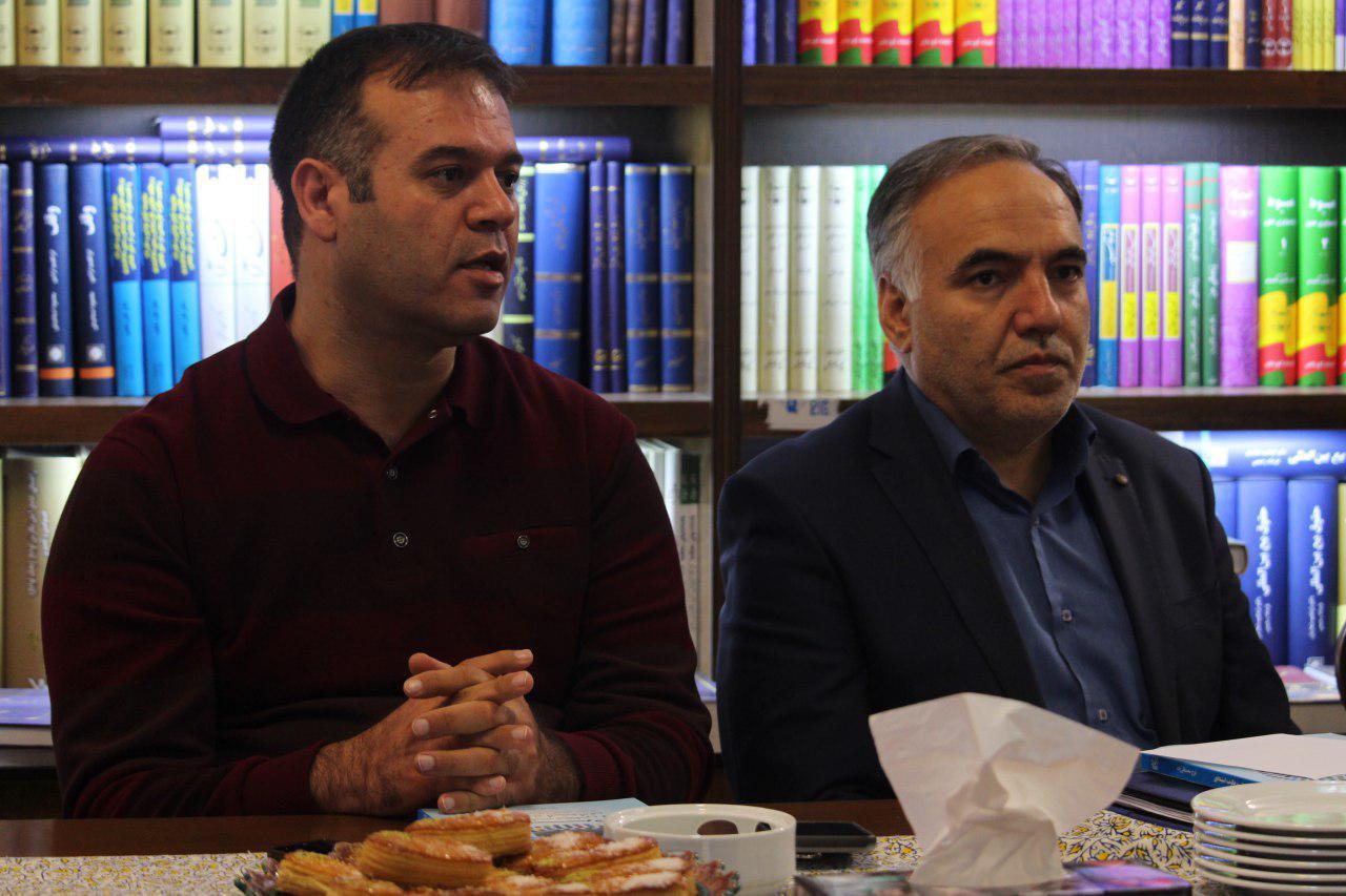 مراسم رونمایی از تالیف فرج قلیزاده برگزار شد
