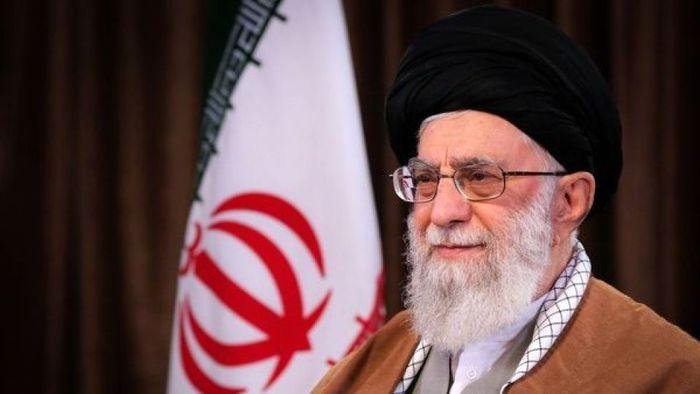 رهبر انقلاب عید نیمه شعبان را به همه مسلمانان جهان تبریک گفتند
