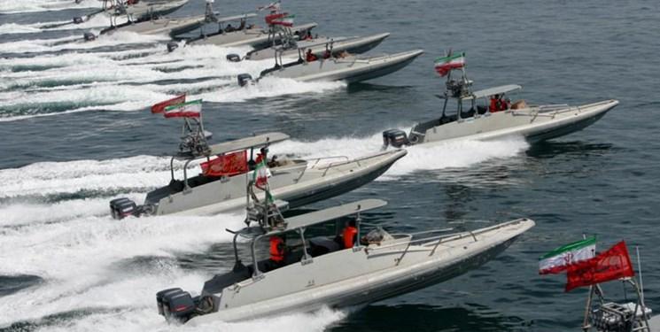 منابع ایرانی: مانور شناورهای ایرانی در پاسخ به اقدامات تحریک آمیز آمریکا بود