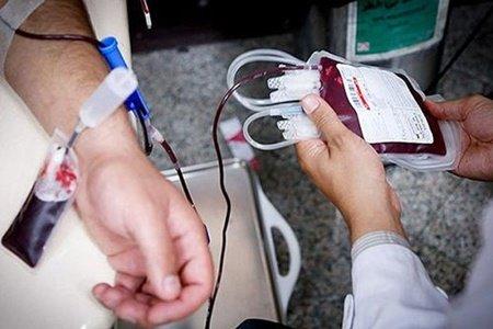 نایب رئیس کمیسیون بهداشت مجلس: مردم مطمئن باشند با اهدای خون کرونا نمیگیرند