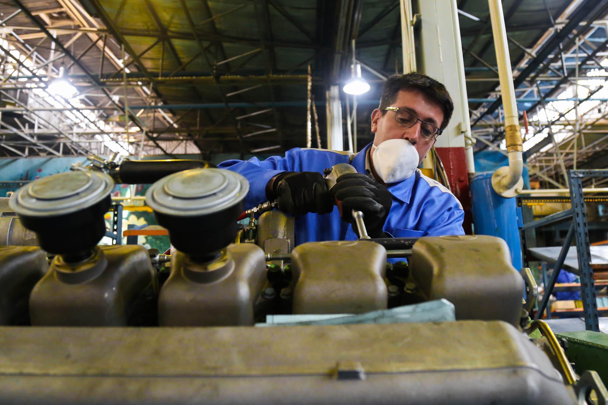 افتتاح خط تولید گیربکس سمند در شرکت چرخشگر تبریز توسط وزیر صمت