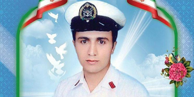 فرزند ارسباران شهید عادل قاسمزاده در بین شهدای حادثه ناوچه کنارک