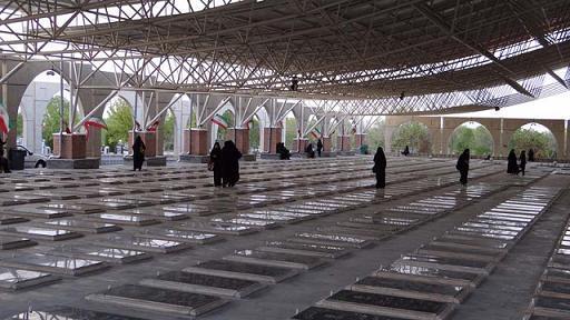 راهپیمایی طلاب غیر ایرانی جامعه المصطفی تبریز تا گلزار شهدا در روز قدس