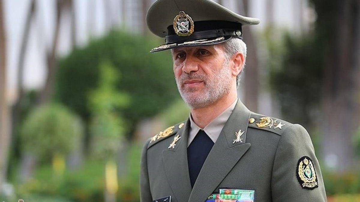 وزیر دفاع: امکان ساخت همه زیرسامانههای هوایی کشور فراهم است