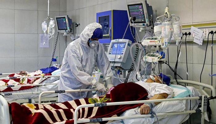 ۴۰۲۷ بیمار کرونا در آی سی یو هستند