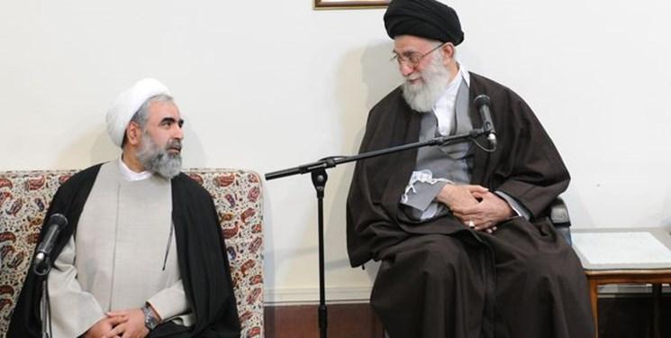 رهبر انقلاب: خستگیناپذیری و صراحت حجتالاسلام حسینیان در مواضع بحق انقلابی، برجسته و نمایان بود