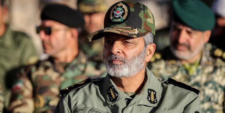 سرلشکر موسوی: دشمن ترفندهای نگران کنندهای را اجرا می کند/شبهات زیادی برای جوانان پیش آورده اند