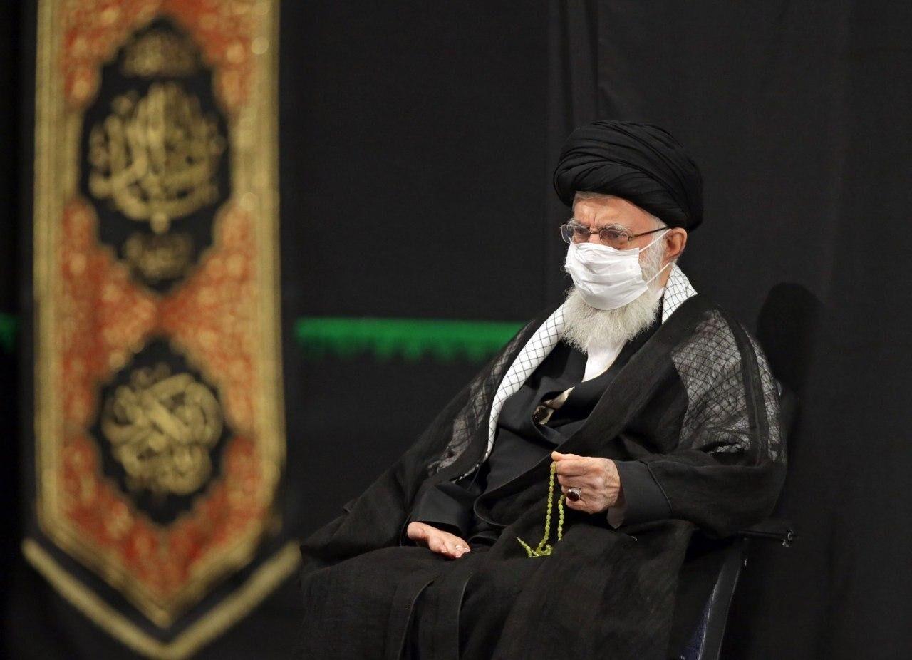 مراسم عزاداری شب هشتم محرم با حضور رهبر معظم انقلاب اسلامی برگزار شد