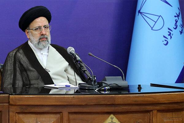 اصلاح بسترهای فسادزا مهم تر از محاکمه مفسدان است