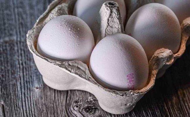 تخم مرغ به شانه ای ۳۰هزارتومان رسید/سوپرمارکت ها گرانفروشی نمی کنند