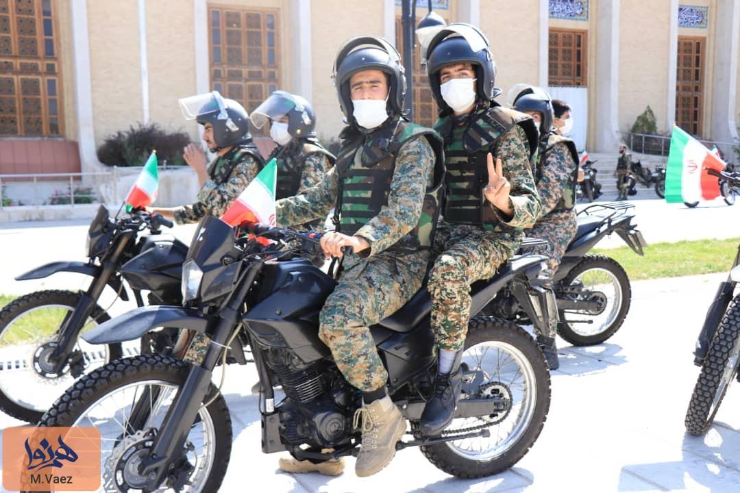 رژه موتوسواران در تبریز به مناسبت آغاز هفته دفاع مقدس
