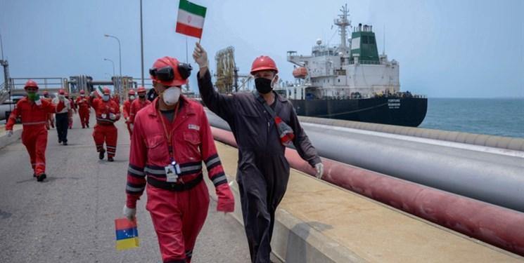 نخستین نفتکش ایرانی بدون مزاحمت به ونزوئلا رسید/ دو نفتکش دیگر در راهند