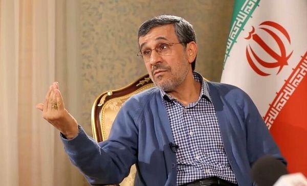 پاسخ توییتری احمدی نژاد به آنجلینا جولی