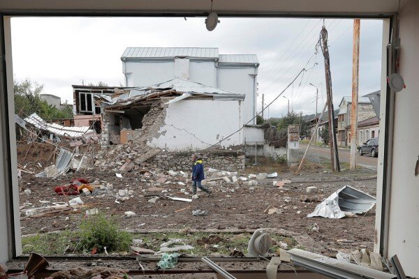 آذربایجان و ارمنستان با برقراری آتش بس در قره باغ موافقت کردند