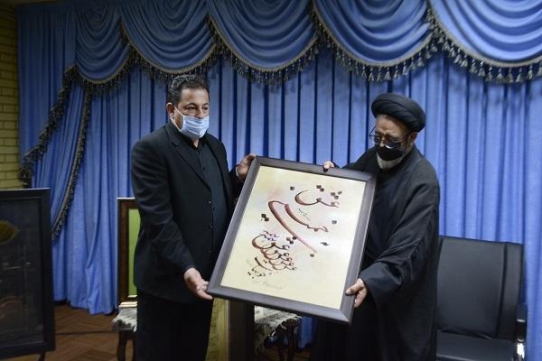 چهار اثر نفیس استاد بختشکوهی به عتبات مقدسه عراق اهدا شد