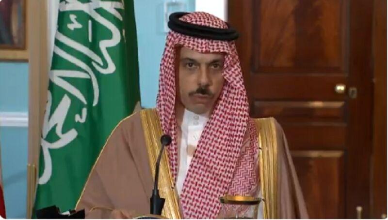 وزیر خارجه سعودی: به مقابله با ایران متعهد هستیم