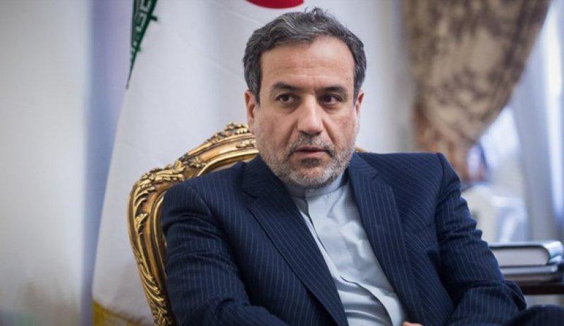 عراقچی: ایران مخالف هر گونه حضور نظامی خارجی در خلیج فارس است