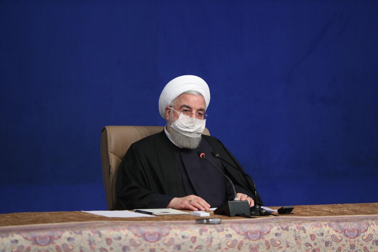 روحانی: یک سوم جامعه بسته معیشتی دریافت میکنند
