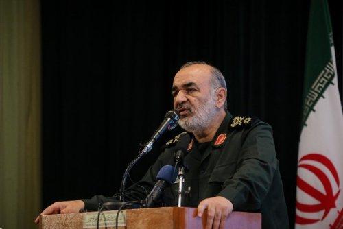 سرلشکر سلامی: راه شهید فخریزاده را با اراده بیشتر ادامه میدهیم/ دشمنان منتظر واکنش جمهوری اسلامی ایران باشند