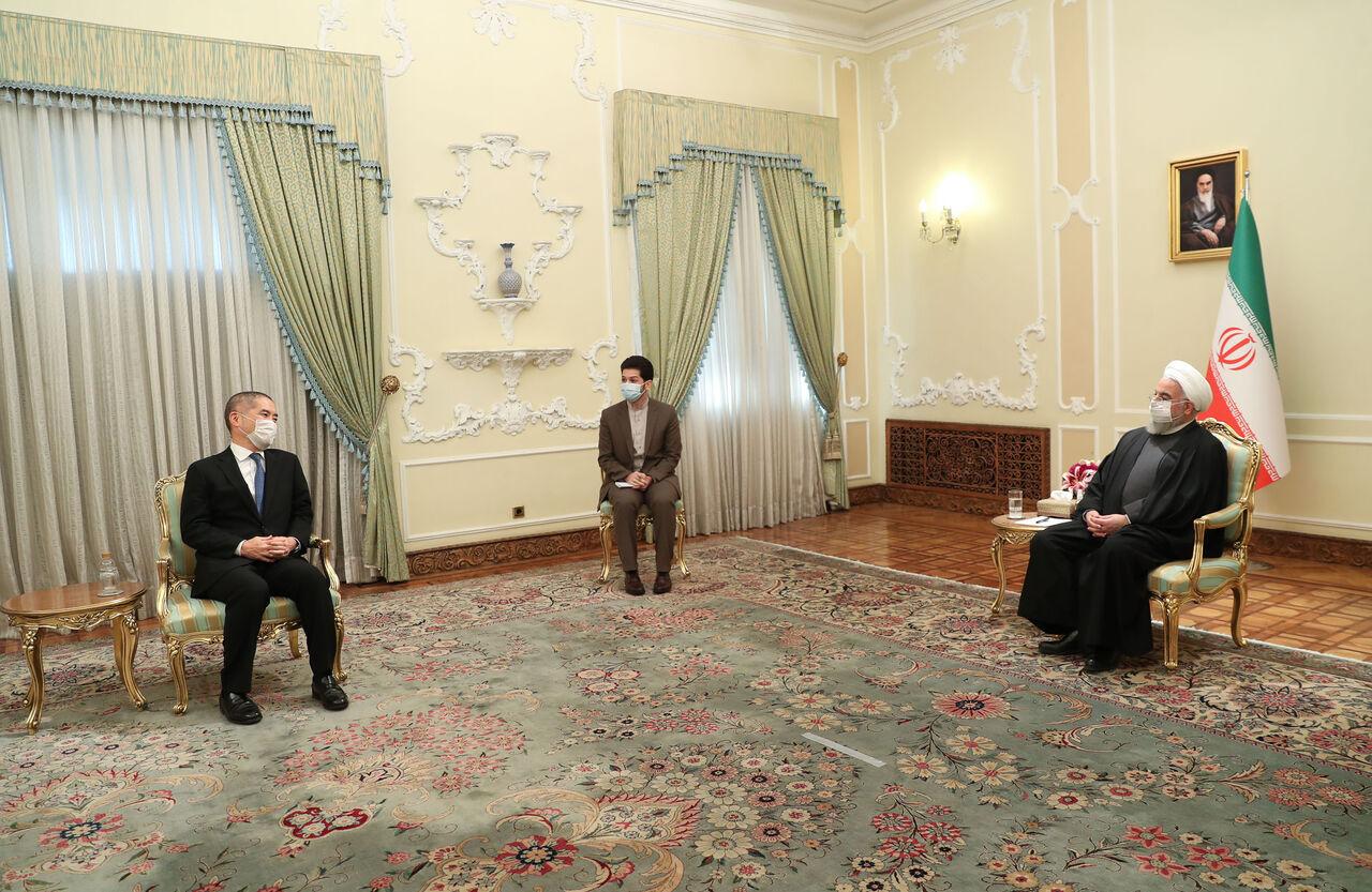 روحانی: امیدواریم شاهد حضور بیشتر شرکتهای ژاپنی در طرحهای ایران باشیم