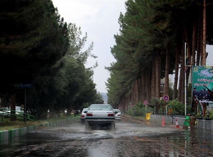 وضعیت جادهها و راهها، امروز ۴ دی ۹۹ / برف و باران در جادههای برونشهری ۱۵ استان