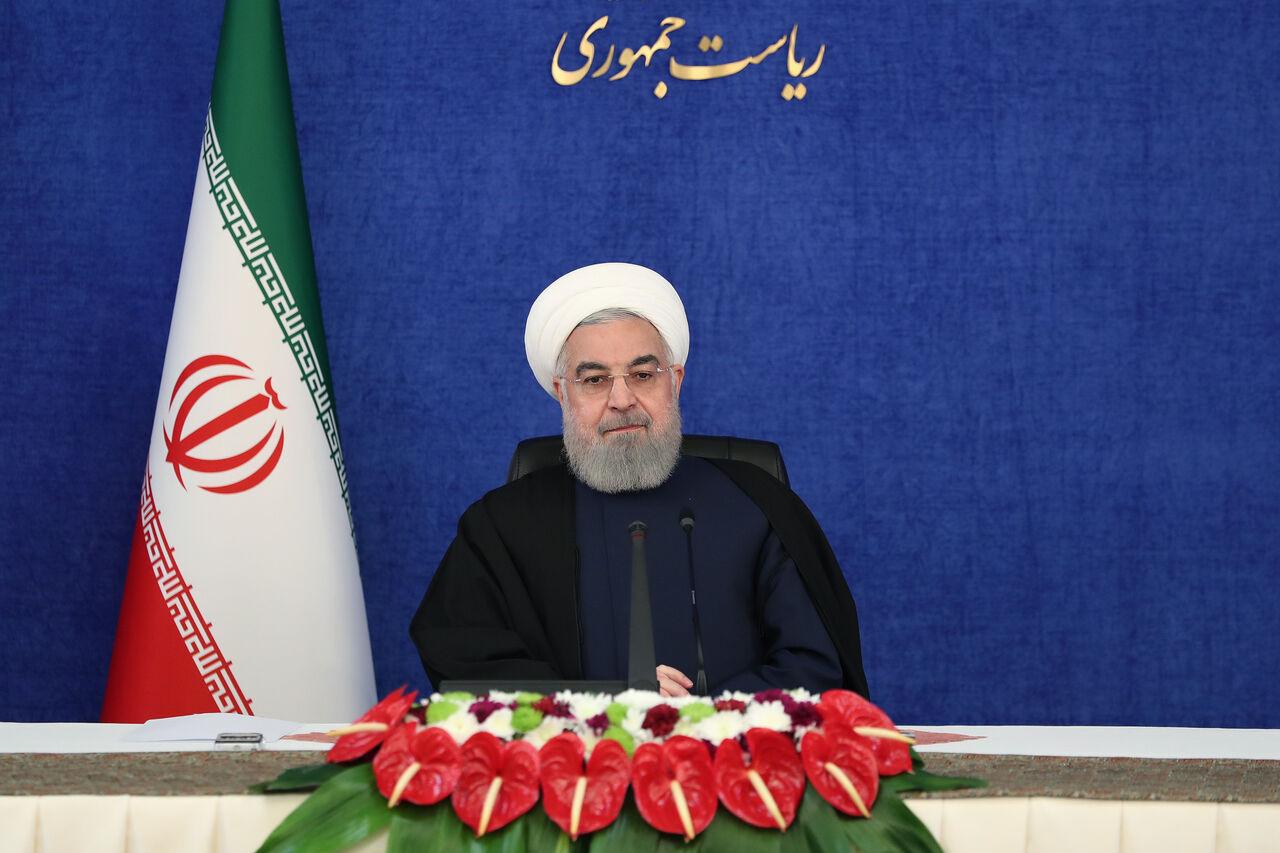 روحانی: اقتصاد دیجیتال به مشاغل بانوان کمک میکند