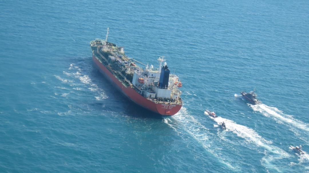 خدمه کشتی کرهای توقیف شده توسط ایران، آزاد شدند