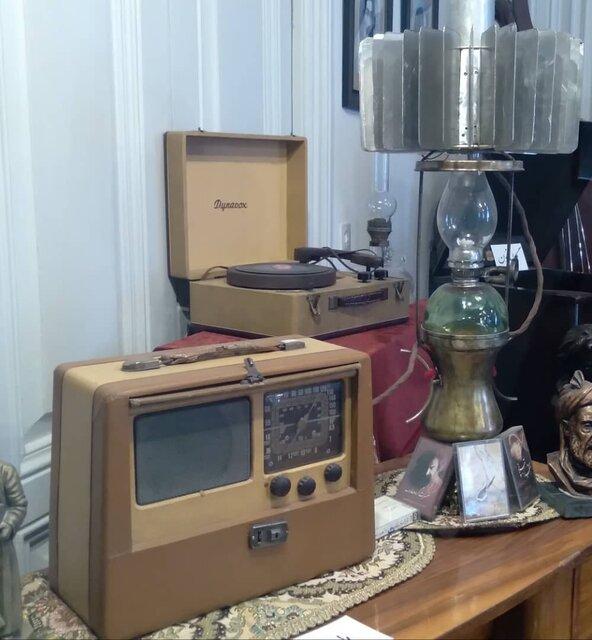 یک قرن همراهی با رادیو