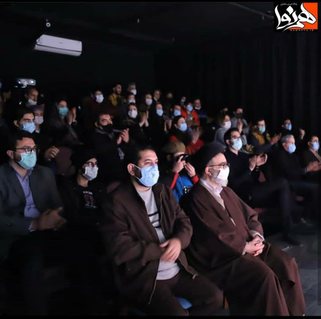 امام جمعه تبریز به تماشای تئاتر سرد سرخ تبریز نشست