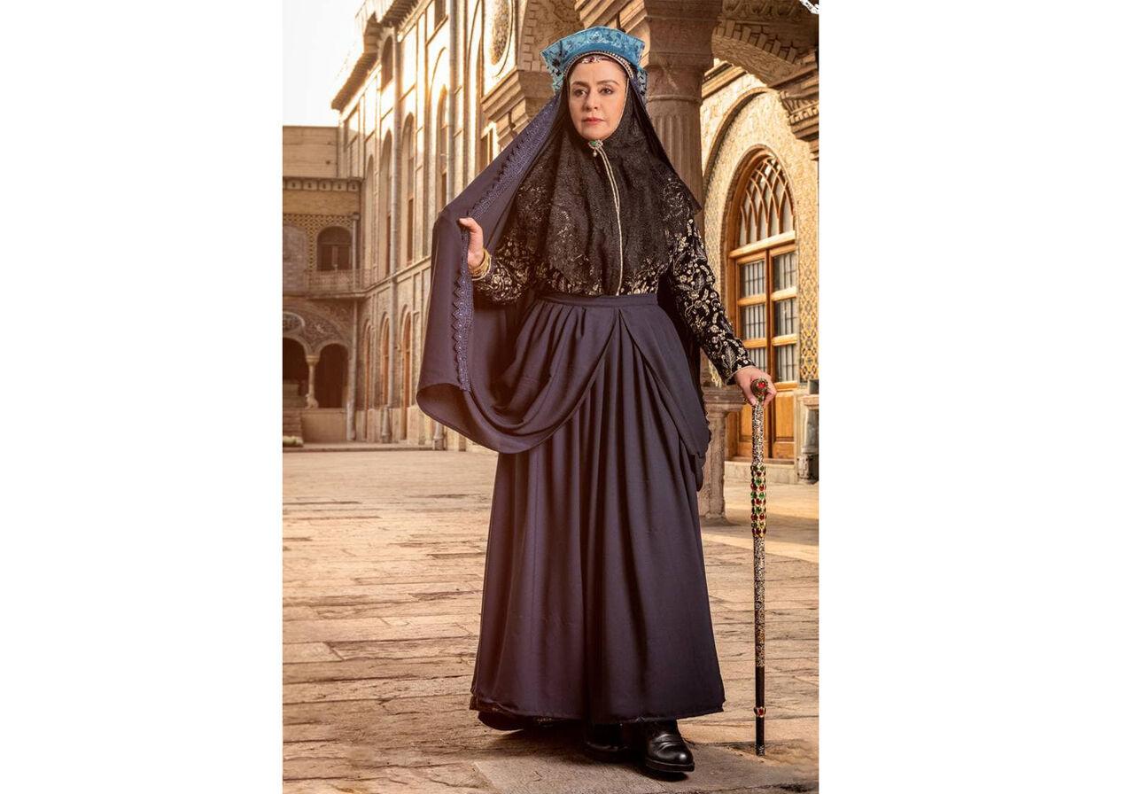 رونمایی از گریم «مریلا زارعی» در نقش مادر ناصرالدین شاه
