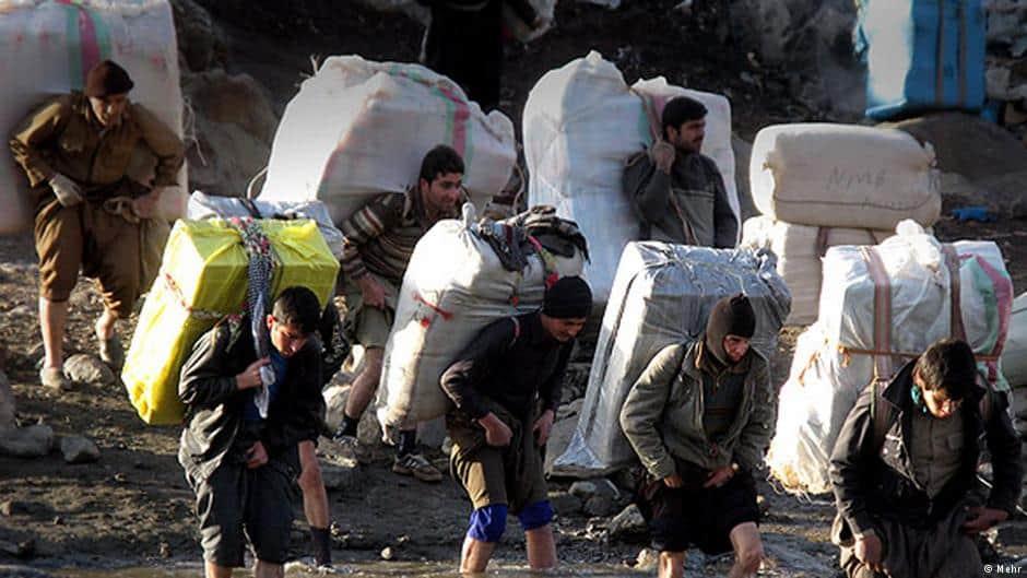 کولبری در آذربایجان غربی: فقر، تبعیض یا تخلف؟