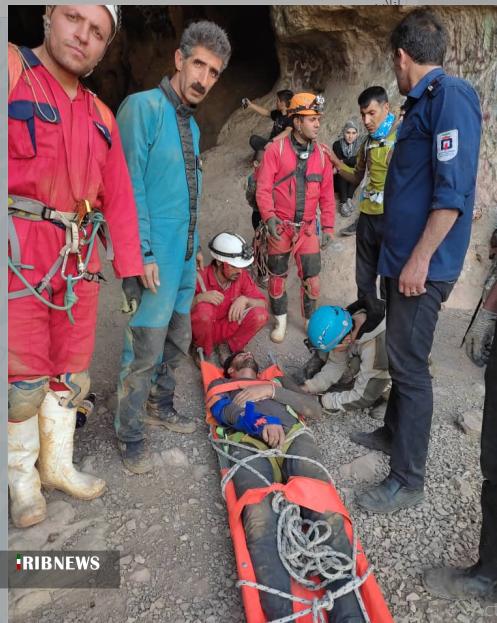 نجات جوان بنابی از چاه غار هامپوئیل مراغه
