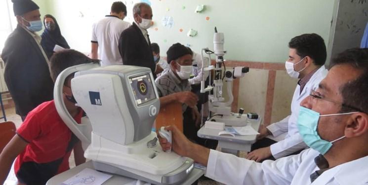 خدمت بیمنت پزشکان جهادگر زیرآسمان مناطق محروم/ از ویزیت رایگان ۶۰۰ نفر تا 200 عینک رایگان در خاروانا