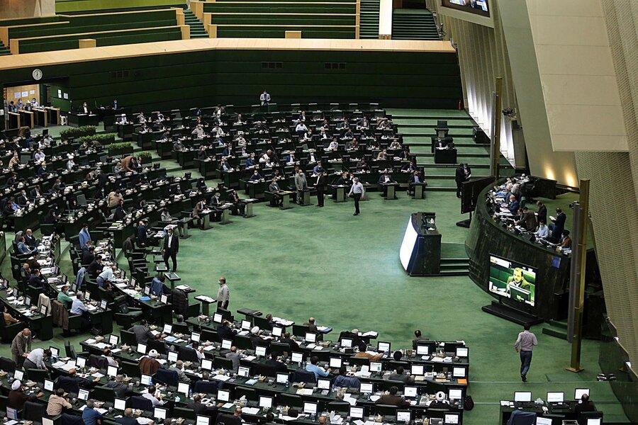 یک نماینده خواستار ورود مجلس به موضوع بررسی صلاحیت کاندیداهای انتخابات ریاست جمهوری شد