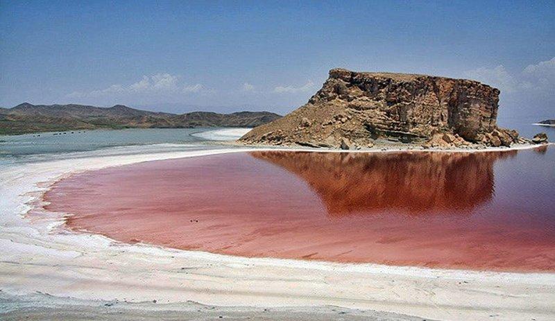کاهش ۱.۹ میلیارد مترمکعبی دریاچه ارومیه نسبت به سال قبل