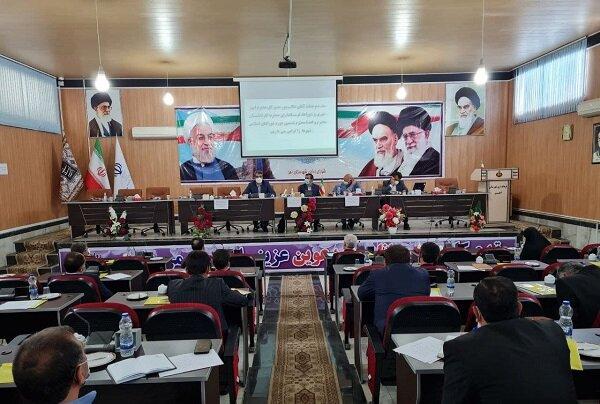 منتخبان شورای شهر محل امورات شهرداریها نباشند