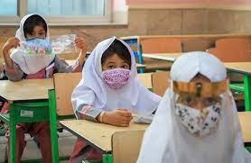 بازگشایی مدارس با پیکهای مکرر کرونایی امکانپذیر نیست