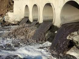 جاری شدن فاضلابهای خانگی تکاب به رودخانه های سطح شهر