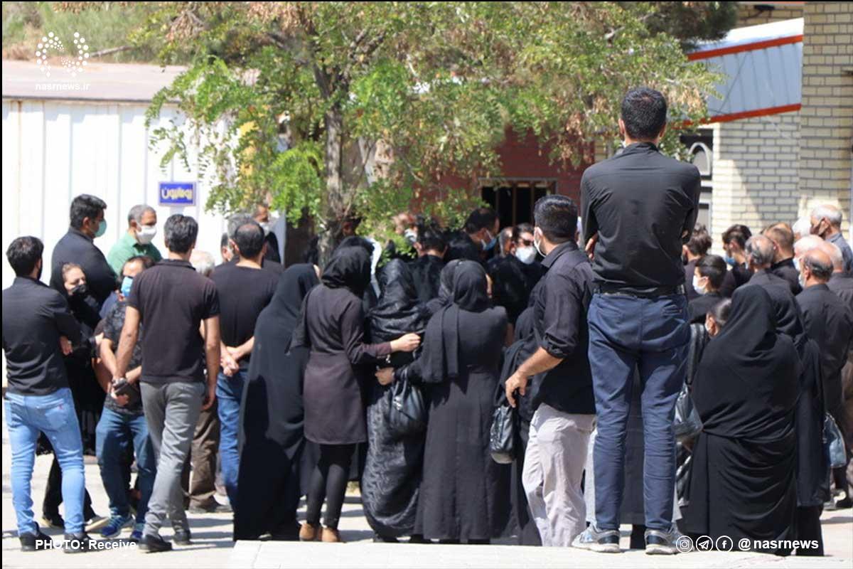 عدم رعایت پروتکل های بهداشتی توسط شهروندان در وادی رحمت/ 36 درصد حاضران در مراسمات تدفین کرونایی هستند!