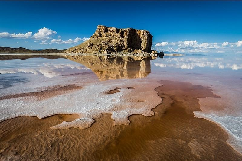 روند معکوس احیای دریاچه ارومیه/ تونلی که آب نرسانده جان ستاند
