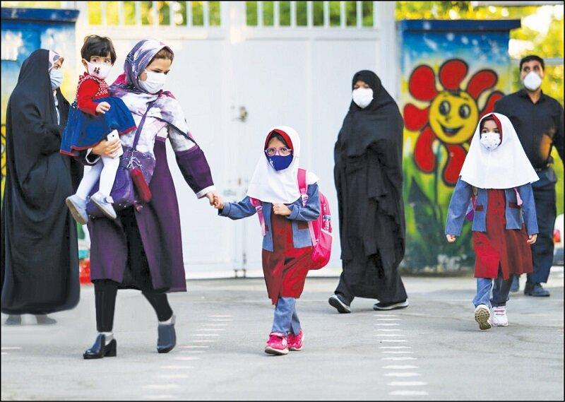 دوگانه مدرسه یا خانه؛ دغدغه والدین در روزهای کرونایی