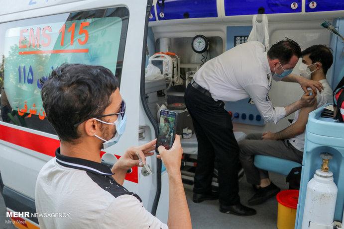 سه هزار نفر در مراکز سیار اورژانس تبریز واکسینه شدند