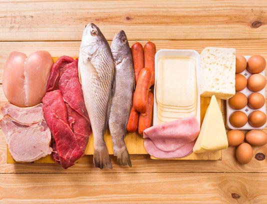 سرانه مصرف پروتئین و لبنیات در ایران کمتر از نصف استاندارد جهانی