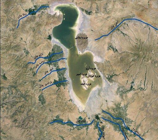جزایر دریاچه ارومیه به خاطر کاهش آب، به هم چسبیده اند