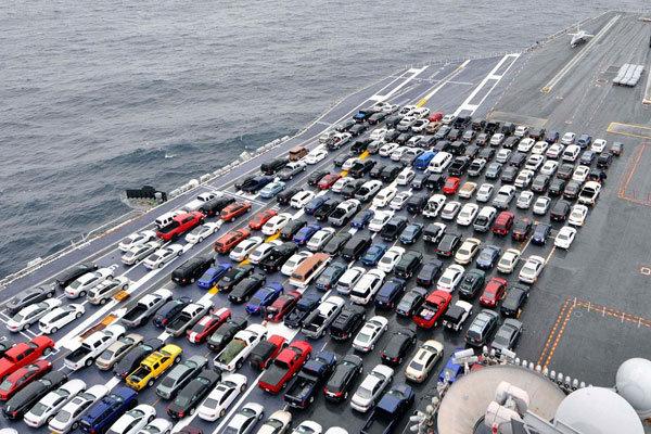 ترخیص خودروها منتظر تصمیم سران سه قوه است/ دولت مخالف واردات خودرو حتی بدون انتقال ارز است/ هر خودروی وارداتی 150 درصد درآمد برای گمرک دارد
