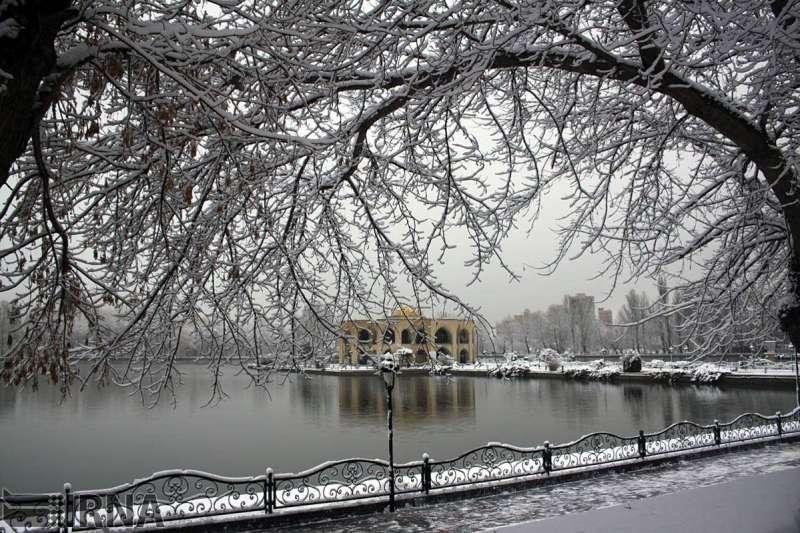برف نواحی سردسیر آذربایجان شرقی را فرا می گیرد