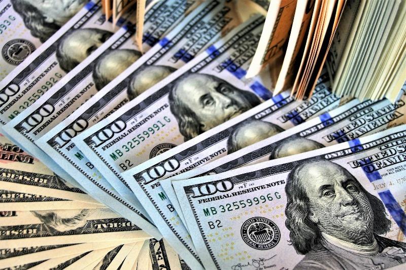 نرخ دلار در بازار آزاد به زیر 10 هزار تومان رسید