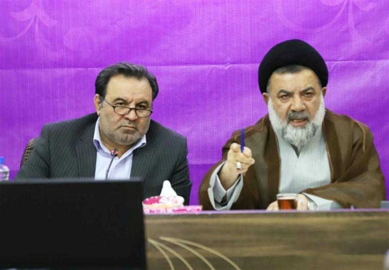 نماینده ولیفقیه در لرستان در اعتراض به گرانیها و کمکاری مسئولان جلسه تنظیم بازار را ترک کرد